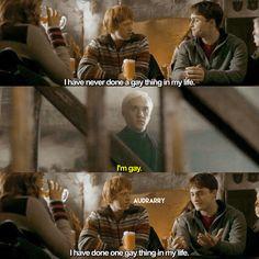 Harry did Draco 😏 Blaise Harry Potter, Harry Potter Comics, Draco Harry Potter, Harry Potter Draco Malfoy, Harry Potter Ships, Harry Potter Anime, Harry Potter World, Drarry Fanart, Funny Puns