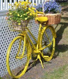Bike on fence garden deco Photography Studio Background, Yard Ornaments, Garden Deco, Garden Fencing, Beautiful Flowers, Upcycle, Bike, Yellow, Gardens