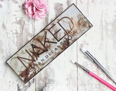 Urban Decay Naked Smoky eye shadow palette review