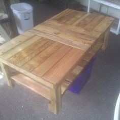 Refurbished Pallets / Skids Coffee Table