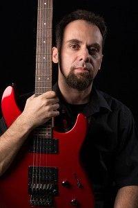 """O músico ALEXANDRE DE ORIO, autor do livro Metal Brasileiro, guitarrista do Quarteto de Guitarras Kroma, publicou um artigo muito interessante que trata de um campo da música chamado 'Harmonia'. O que mais chama a atenção neste estudo é que através de um pequeno tópico dentro dessa área conhecido como """"Cadência Frígia"""". O músico mostra perpassando desde aproximadamente do final do século XVI..."""