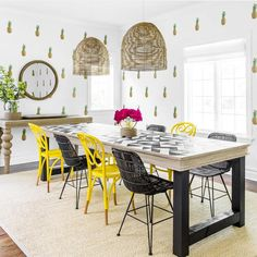 Designer Spotlight featuring @susana.chango and her Hampton Home project. Here she used our full color pineapple decals to add a little fun and cheer to this unique eating space!