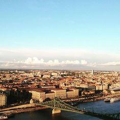 #hungary🇭🇺 #budapest #jesuistombeesouslecharme #greenbridgebudapest #gellertmountain #jesuistombeesouslecharme