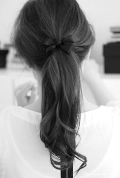 Just a regular cute cheerleader hair do for tons of accasions