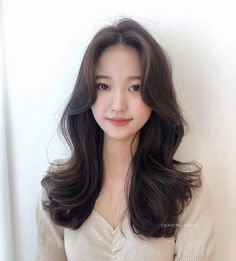 Haircuts Straight Hair, Work Hairstyles, Cute Casual Outfits, Hair Looks, Hair Inspo, Bangs, Hair Care, Short Hair Styles, Hair Makeup