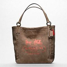 Coach Poppy Horse and Carriage Large Tote Latest Handbags, Cute Handbags, Coach Handbags, Coach Purses, Purses And Handbags, Coach Bags, Coach Tote, Coach Backpack, Tote Bag