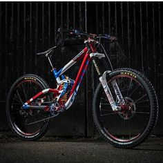"""2,690 Likes, 20 Comments - Downhill MTB (@dh_bros) on Instagram: """"@adbrayton 's worlds bike !!!! Such a beauty How do you like this beauty?  @bikeonscott gambler…"""""""