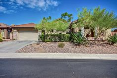 Single Family Property For Sale with 4 Beds & 3.5 Baths in Phoenix, AZ (85086)