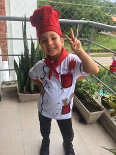 Con una camiseta, cinta y algo de #fieltro, logramos un atuendo muy creativo! #chef #disfraz #profesiones #prekinder #manualidades