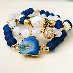 Matte white agate, navy blue, pearl, druzy charm and gold beads bracelet