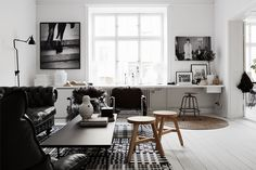 COZY APARTMENT IN BLACK AND WHITE