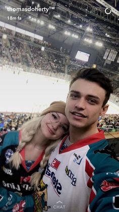 thomasadoherty: Tonight, we are #belfastgiants Cheers @belfastgiants for having us
