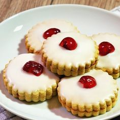 The simplest of recipes are often the best! Granny& Empire Biscuits are always in high demand and well received. What& your favourite decoration? German Biscuits, Iced Biscuits, Shortbread Biscuits, Oatmeal Biscuits, Coconut Biscuits, Uk Recipes, Cookie Recipes, Baking Recipes, Biscuit Recipes Uk
