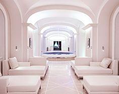 Dior Institut au Plaza Athénée, Frankreich