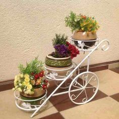 Garden Deco, Balcony Garden, Garden Pots, Metal Plant Stand, Iron Plant, Flower Stands, Plant Shelves, Iron Decor, Plant Holders