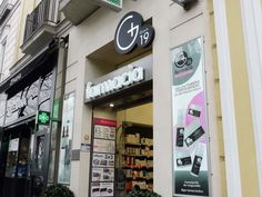Farmacia Goya 19 - Madrid @mobilm #diseño #farmacia #arquitectura
