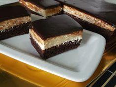 Prajitura krem a la krem Desserts, Sweets, Tailgate Desserts, Deserts, Postres, Dessert, Plated Desserts