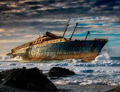 Naufragio del SS America. Fuerteventura, Islas Canarias, España. Tenebrosos pero emocionante. 24 lugares abandonados mas asombrosos