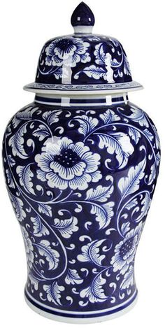 Blue and White Porcelain Ginger Jar With Lid White Porcelain, Porcelain Vase, Porcelain Doll, Painted Porcelain, Amazon Home Decor, Home Decor Items, Blue Pottery, Decorated Jars, Blue And White China