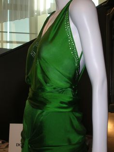 Fantastic page on the Atonement Green Dress (The Costumer's Guide to Movie Costumes)
