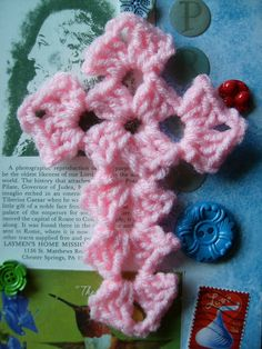 Scrap Yarn Crochet: Free Yarn Cross Crochet Pattern, make a bit longer and could be a bookmark. (My Nanny, Margaret Lehr Werkheiser, made me one of these out of crochet thread. She added a tassel at the bottom of hers. Crochet Cross, Crochet Motif, Crochet Flowers, Free Crochet, Crochet Coaster, Doilies Crochet, Crochet Appliques, Crocheting Patterns, Christmas Crochet Patterns