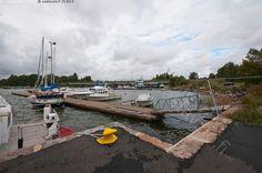 Laiturissa - Candelininsilta kesä laituri laiturit masto mastot meri silta vene ja laivat venepaikat venepaikka vesi veneily Raasepori Tammisaari Ekenäs