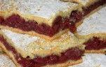 Omlós meggyes pite recept Vass Laszlone konyhájából - Receptneked.hu