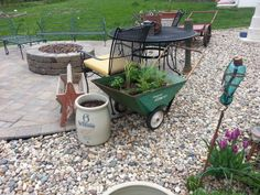 Old garden cart made into a planter. Garden Cart, Vintage Farm, Yard Art, Planters, Outdoors, Patio, Outdoor Decor, Vintage Farmhouse, Outdoor