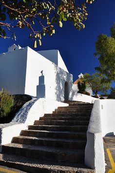 the entrance to the Puig de misa church in Santa Eulalia del Rio Europe Destinations, Holiday Destinations, Ibiza Island, Ibiza Party, Corfu Town, Magic Island, Ibiza Fashion, Balearic Islands, Church Wedding