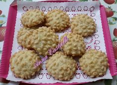 Biscotti morbidi-croccanti al cocco e al riso soffiato
