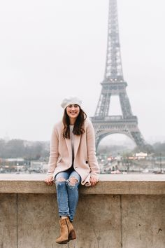 """Former Co-host of HGTV Canada's """"Love It or List It Vancouver & Bachelorette, Jillian Harris, shares what she learned travelling to Europe with Leo. Black App, Jillian Harris, Canada, Europe Fashion, Fashion Room, Work Fashion, Autumn Winter Fashion, Winter Style, Sweater Weather"""