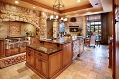 Stunning kitchen....big, bold and comforting!