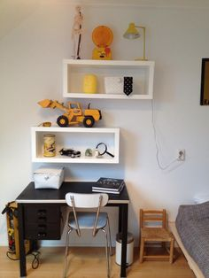 the boo and the boy: kids desks - shelves are super helpful keeping clutter away from the desk