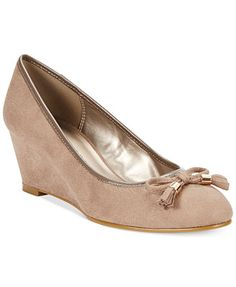 Karen Scott Women's Brynn Wedges