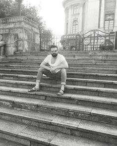 www.doctorlazarescu.ro  Dupa o saptamana in care am cucerit Moldova cu 'talentul medical' , ma odihnesc puțin pentru ca maine să-mi continui drumul...