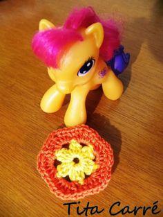 'Tita Carre' Tita Carré - Agulha e Tricot : Meu pequeno ponêi e um pedacinho de crochet