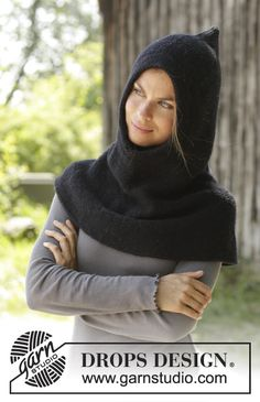 Lawless - Knitted hooded cowl in DROPS Merino Extra Fine or DROPS Karisma. Piece is knitted top down in garter stitch. Size: S - XXXL Free knitted pattern DROPS Crochet Shawl Free, Knitted Shawls, Crochet Hats, Drops Design, Knitting Patterns Free, Free Knitting, Cowl Patterns, Crochet Patterns, Drops Karisma