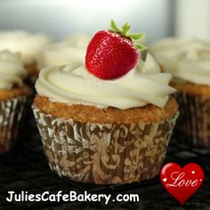 cinnamon roll flavored cupcakes topped with cream cheese buttercream frosting. I'm thinking Julie's Cafe Bakery just might have hit upon a near perfect breakfast treat. Easy Cake Recipes, Cupcake Recipes, Cupcake Cakes, Dessert Recipes, Cupcake Frosting, Baking Recipes, Simple Recipes, Buttercream Frosting, Quick Recipes