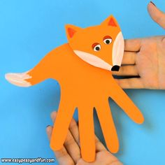 As the temperatures drop and leaves on the treas start changing their colors it's time to share some fall crafts for kids to make! for kids Fall Crafts For Kids Kids Crafts, Fox Crafts, Easy Fall Crafts, Crafts For Kids To Make, Animal Crafts, Toddler Crafts, Preschool Crafts, Arts And Crafts, Paper Crafts