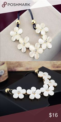 Daisy Flower Necklace brand new Jewelry Necklaces