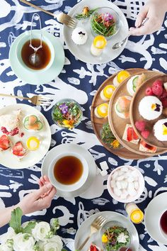 Modern Tea Party // Once I get my own place, this is how I'll have my house warming.