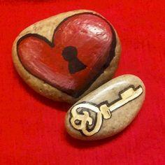 80 romantic valentine painted rocks ideas diy for girl (58)