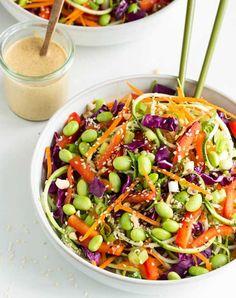 De volgende koude gerechten bevatten allemaal weinig calorieën en kunnen zowel als lunch als in de…