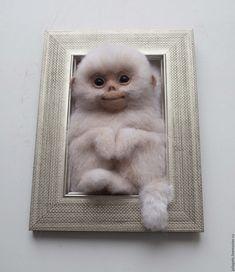 Купить Панно из шерсти Обезьянка - белый, обезьянка, символ 2016 года