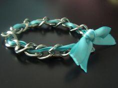 Cute bracelet! Very easy to make.