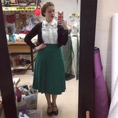 Vintage Instagram, Full Look, Vintage Fashion, Vintage Style, Vintage Skirt, Emerald Green, High Waisted Skirt, Ootd, Skirts