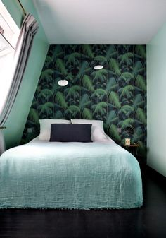 The Hotel Henriette Rive Gauche – a boutique design hotel in Paris' Left Bank that makes you not just want to stay there, but move right in! Paris Hotels, Hotel Paris, Modern Wallpaper, Tropical Wallpaper, Design Hotel, Boutique Design, Interiores Design, Bedroom Decor, Bedroom Signs