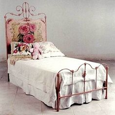 Boudoir- absolutely beautiful with the painted roses