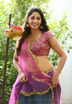 Kesha Khambhati, Natural curvy beauty of south india