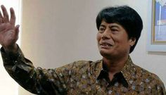 "Rini Soemarno menetapkan Elia Massa Manik sebagai Direktur Utama PT Pertamina | PT Solid Gold Berjangka Cabang Makassar  Dalam kepemimpinannnya nanti, Elia Massa Manik akan membentuk sistem komunikasi dan tim yang solid, serta menjunjung keterbukan dan merangkul berbagai pihak di dalam pertamina. ""Tentu diharapkan saya sebagai dirut baru bisa membentuk satu komunikasi dan tim…"